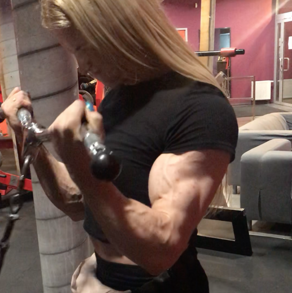 Peaksandpecs S Profile At Herbicepscam Video chat with female bodybuilders, physique models and fitness athletes 24/7/365! peaksandpecs s profile at herbicepscam